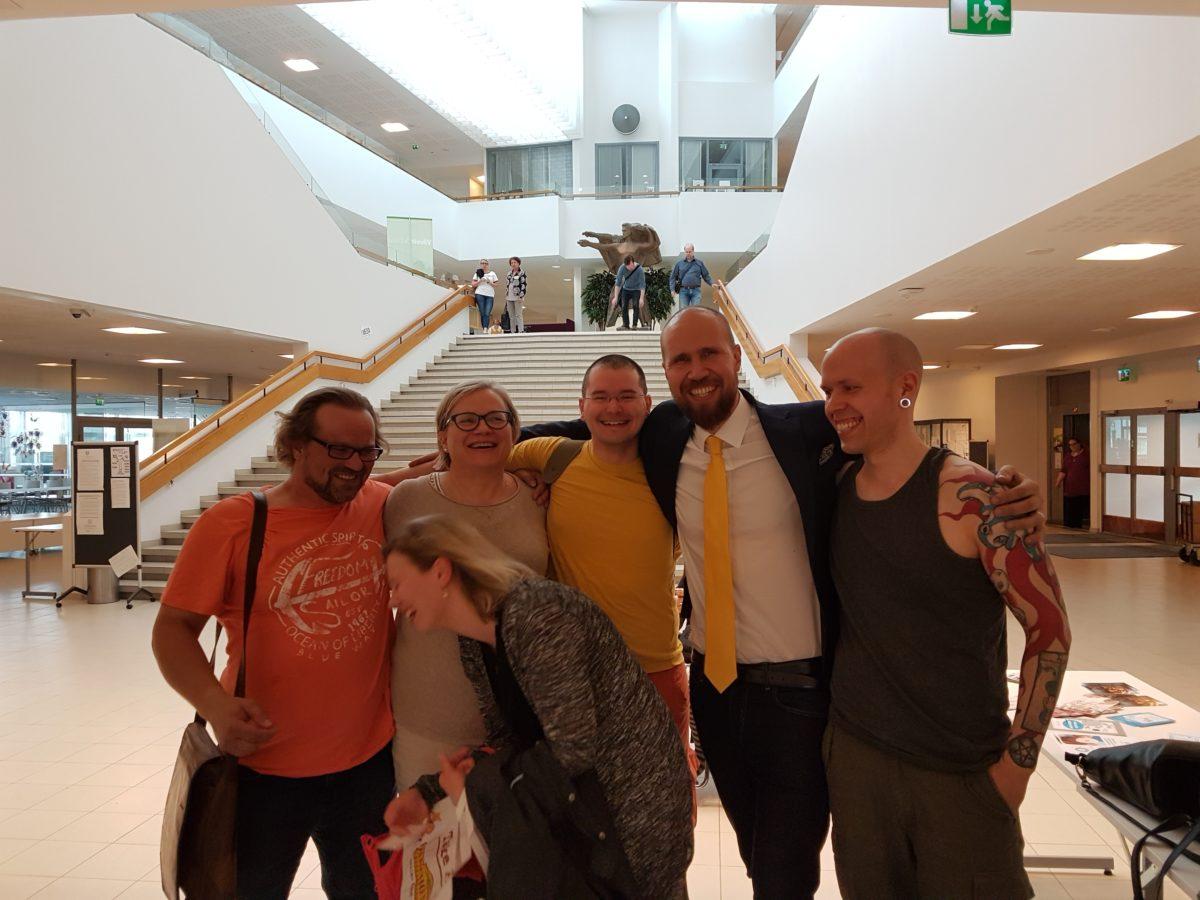 Petteri Heikkinen, Veera Willman, Marja Berg, Aarni Mustonen, Touko Aalto ja Iiro Väisälä Tampereen puoluekokouksessa 2017
